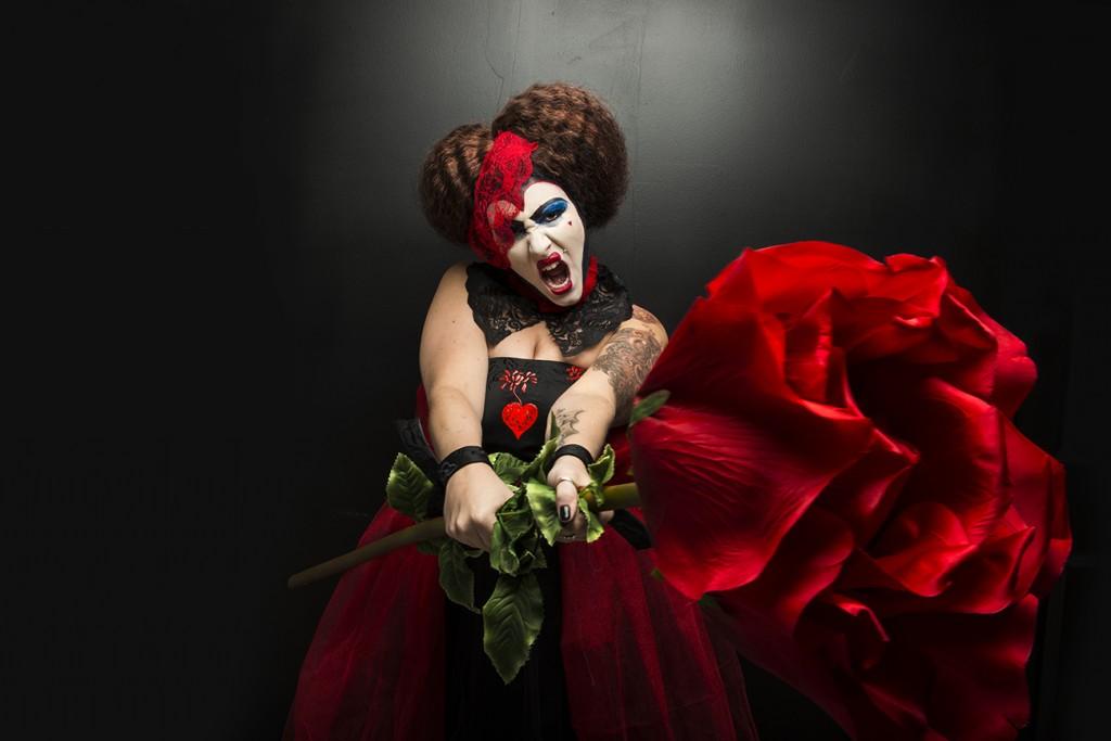 Queen Of Hearts Hair Ideas VILLAINS  HALLOWEEN PHOTO